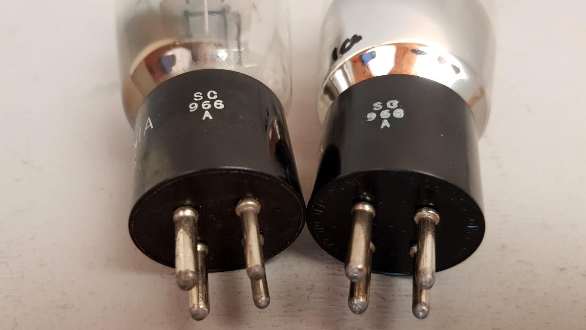 2 valvole tubes nos pair  SYLVANIA VT95 2A3 Biplacca 043-044